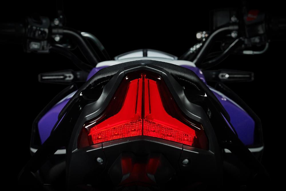 https://www.gpxthailand.com/images/product/raptor-180/zoom-spec/Raptor180-rearlight.jpg